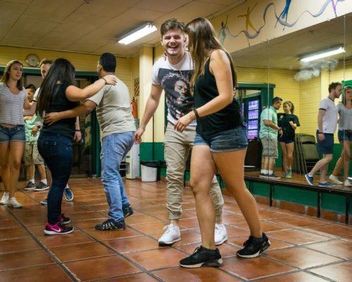 Spaans leren en dansen in Heredia